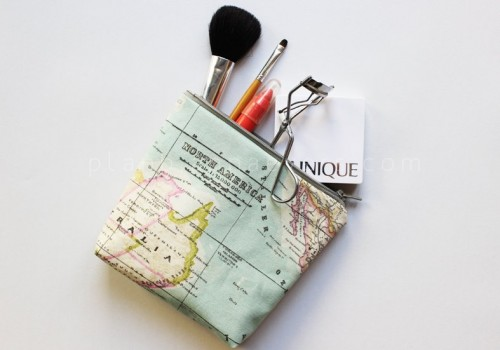 travel makeup bag (via planb)