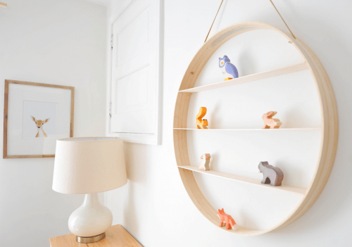 circle wood shelf (via newblooming)