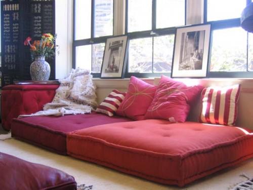 Using floor pillows in interior decorating 17 500x375