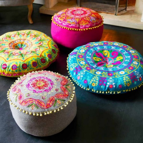 57 Cool Ideas To Decorate Your Place With Floor Pillows - Shelterness