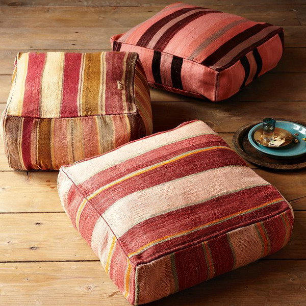 Outdoor Moroccan Floor Pillows : Picture Of Using Floor Pillows In Interior Decorating