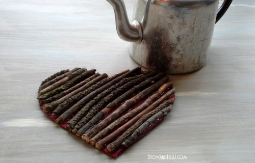 twig heart trivet (via stowandtellu)