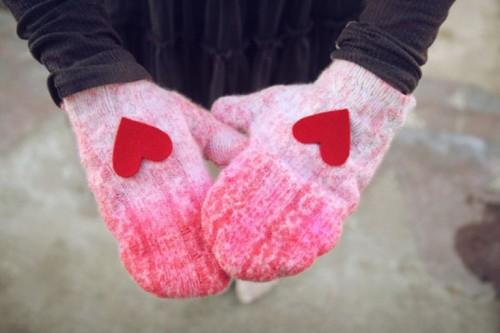 DIY heart mittens
