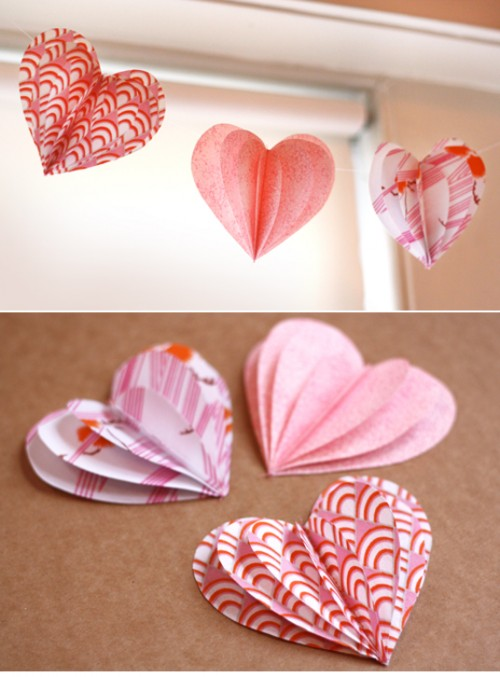 DIY 3D paper heart garland (via beyondbeyond)