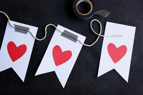12 Cool Valentine's Day Party Crafts