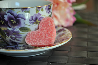 DIY pink sugar hearts (via craftmenot)