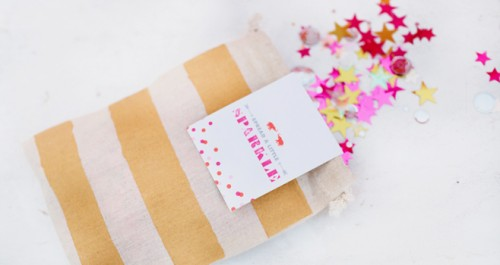 DIY favor bags (via confettipop)
