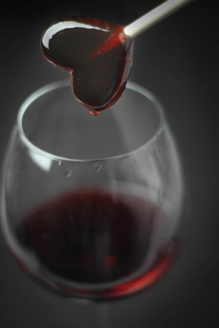 DIY red wine lollipops