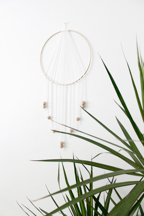 Very Simple DIY Modern Dreamcatcher