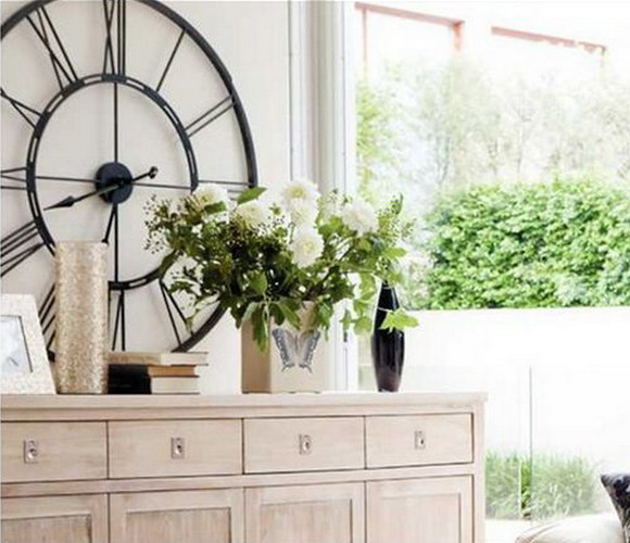 cool ideas to use vintage clocks to decorate your interior photo 25