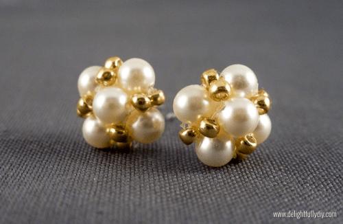 vintage-inspired pearl earrings