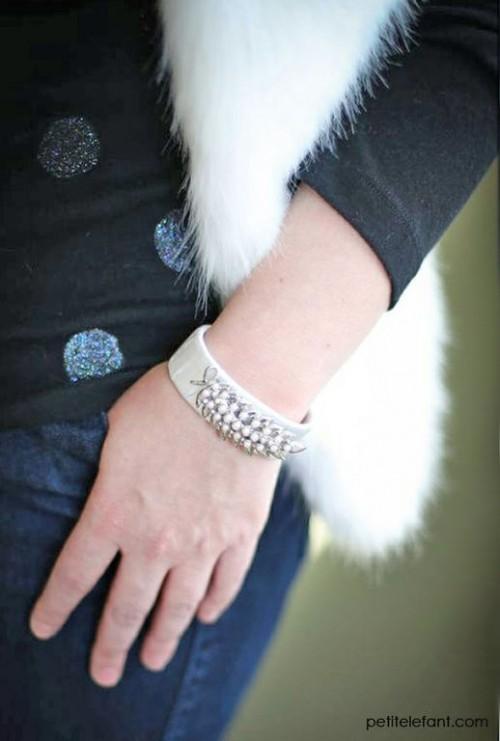 vintage brooch bracelet (via petitelefant)