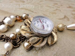 unusual vintage pendant (via katalinajewelry)