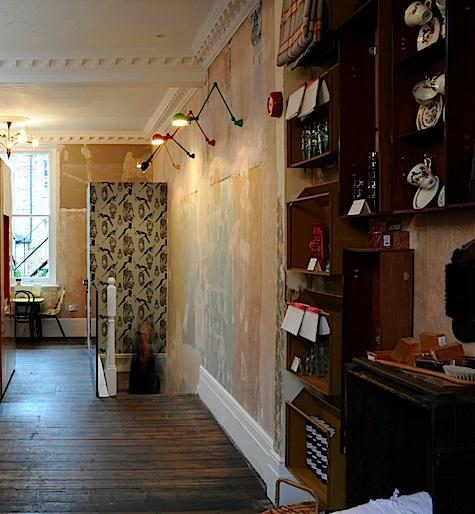 Vintage Walls Room Decorating