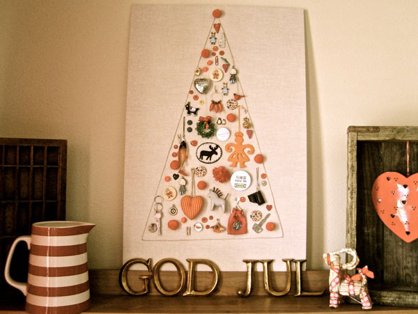 Wall mount christmas tree of objects shelterness - Diy christmas tree on wall ...