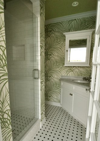 Spectacular Wallpapers In A Bathroom