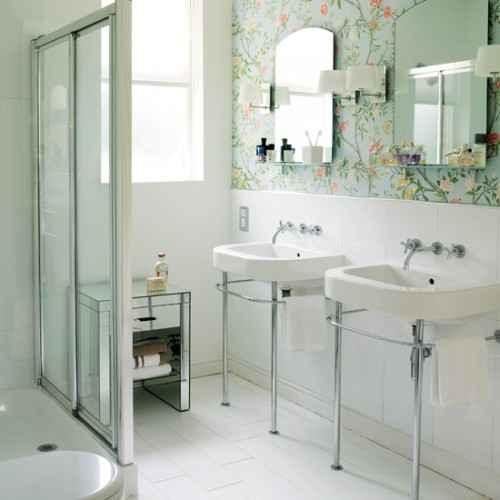 Luxury Wallpapers In A Bathroom Picture