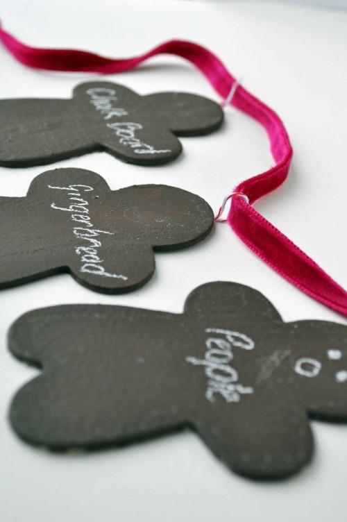 chalkboard gift tags (via curlybirds)