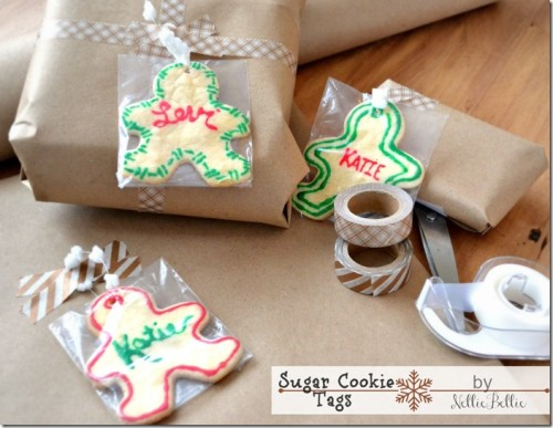 sugar cookie gift tags (via nelliebellie)