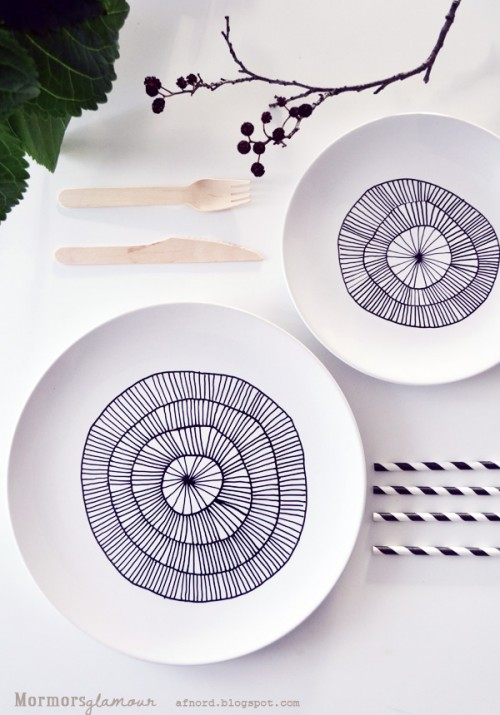 easy sharpie plates (via blogg)