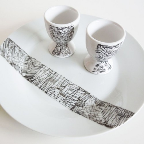 scribble decorated plates (via shelterness)