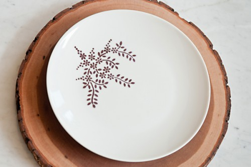 sharpie dinnerware (via thesweetestoccasion)