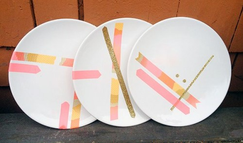 washi tape plates (via swoonedmagazine)