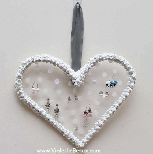 DIY Whipped Cream Heart Earrings Hanger