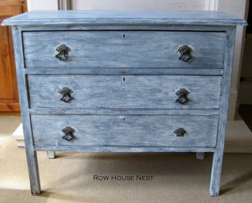 vintage whitewashed dresser (via rowhousenest)