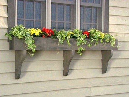 How To Build A WIndow Box Planter (via diynetwork)