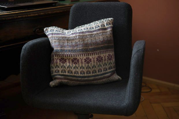 simple sweater pillow