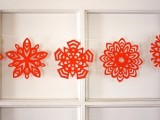 5-pointed paper snowflakes