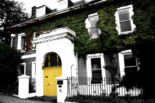 15 Yellow Front Door Designs To Inspire