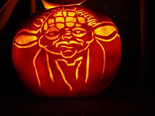 Picture of yoda pumpkin face