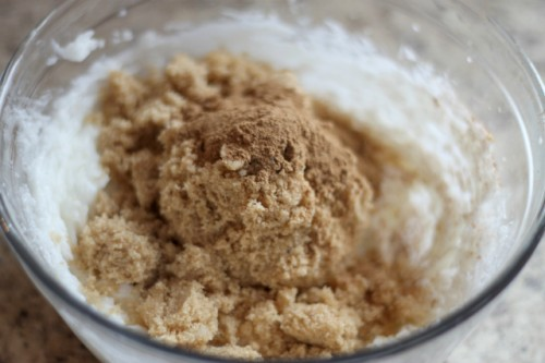 diy apple pie body scrub (via heylittlemother)
