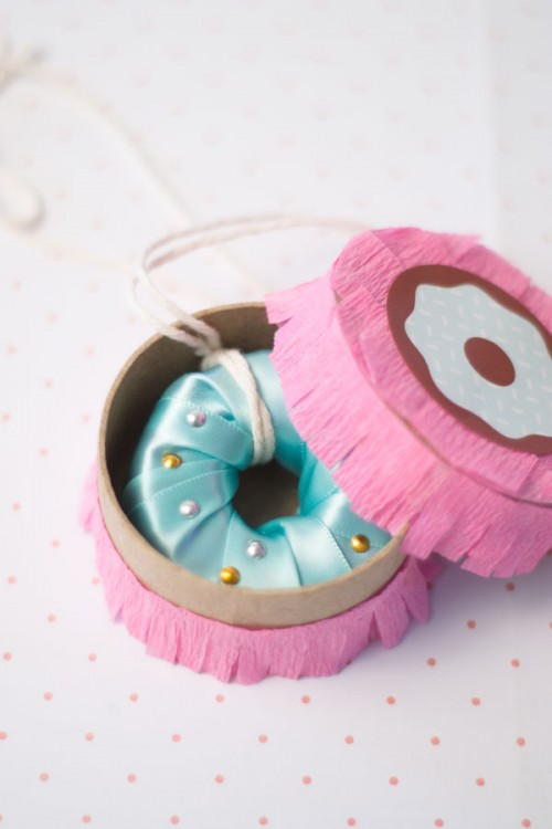 Yummy Looking Diy Donut Necklace